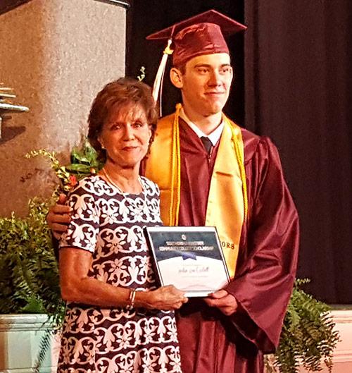 Justin Lee Corbett receiving TEC scholarship